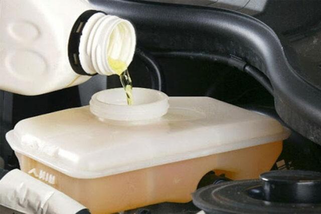 5 Perawatan Mobil Penting yang Sering Diabaikan