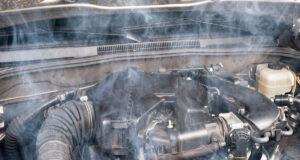 Penyebab dan Solusi, Kenapa Mesin Cepat Panas Saat AC Mobil Hidup?